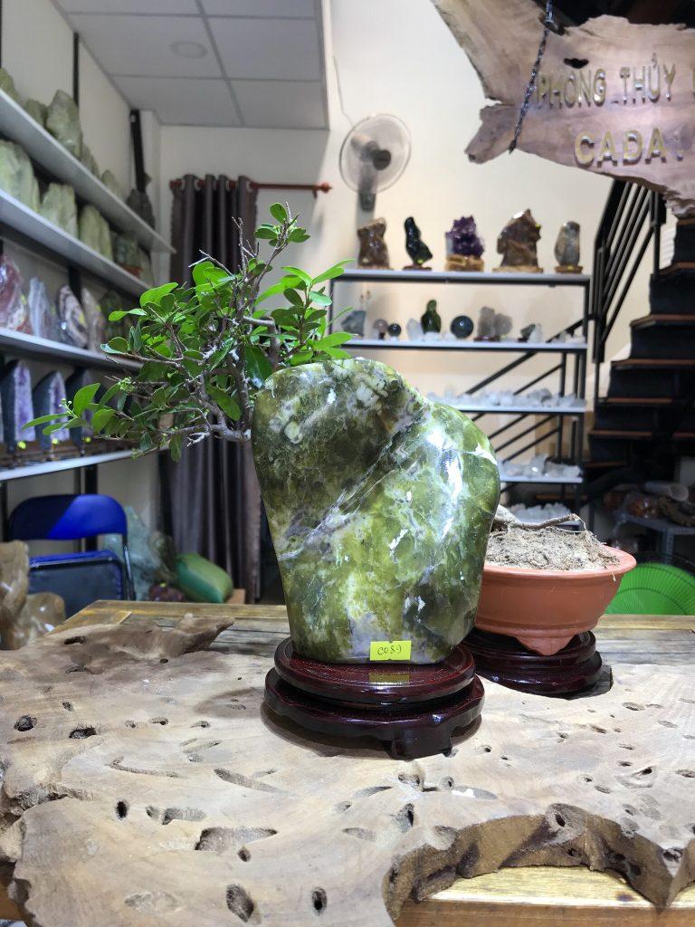 Đá cảnh xanh ngọc để bàn, kệ (MS : co89) KT 16x13 cm ,1.8kg