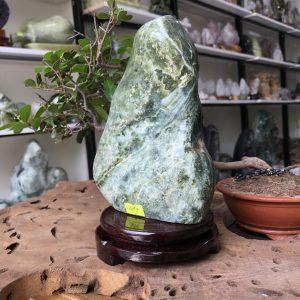 Đá cảnh xanh ngọc để bàn, kệ (MS : co94) KT 20x13 ,1.7kg