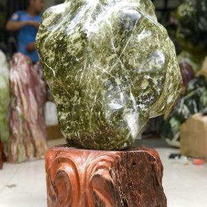 Cây đá ngọc xanh đen nguyên khối tạo dáng hình đóa sen KT : 70x40x20(gồm đế, đế 20 cm), 59kg MS : 229