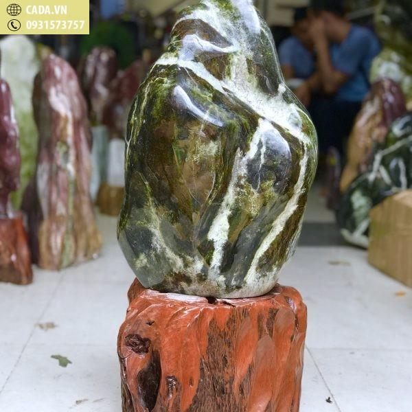 Cây đá ngọc xanh đen nguyên khối KT : 70x33 (cả đế ) , 45 kg (MS : 231)