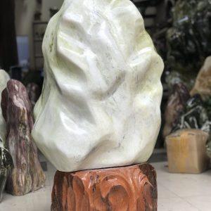 Cây đá ngọc serpentine xanh trắng chất sáng KT : 93x52 cm khoảng 110kg (MS: 234 )