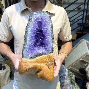 Hốc thạch anh tím - Amethyst geode